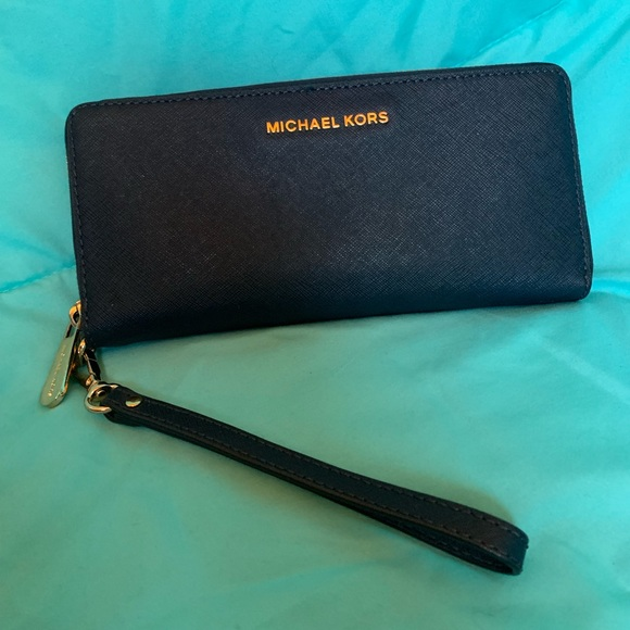 a9fcc376acd4 Jet Set Travel Admiral Continental Wallet
